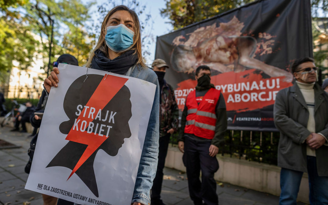 Polish court outlaws almost all abortions