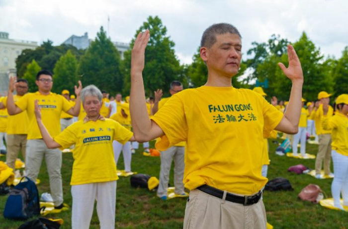 RUSSIA: Falun Gong banned for 'religious extremism'
