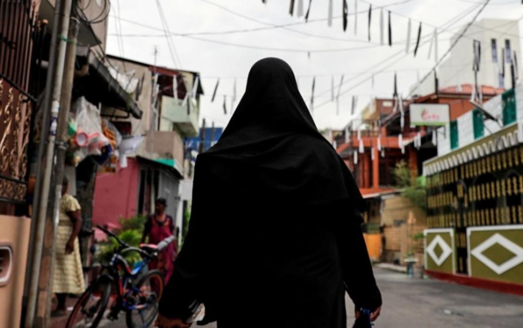 SRI LANKA: Sri Lanka to ban burqa, shut more than 1,000 Islamic schools